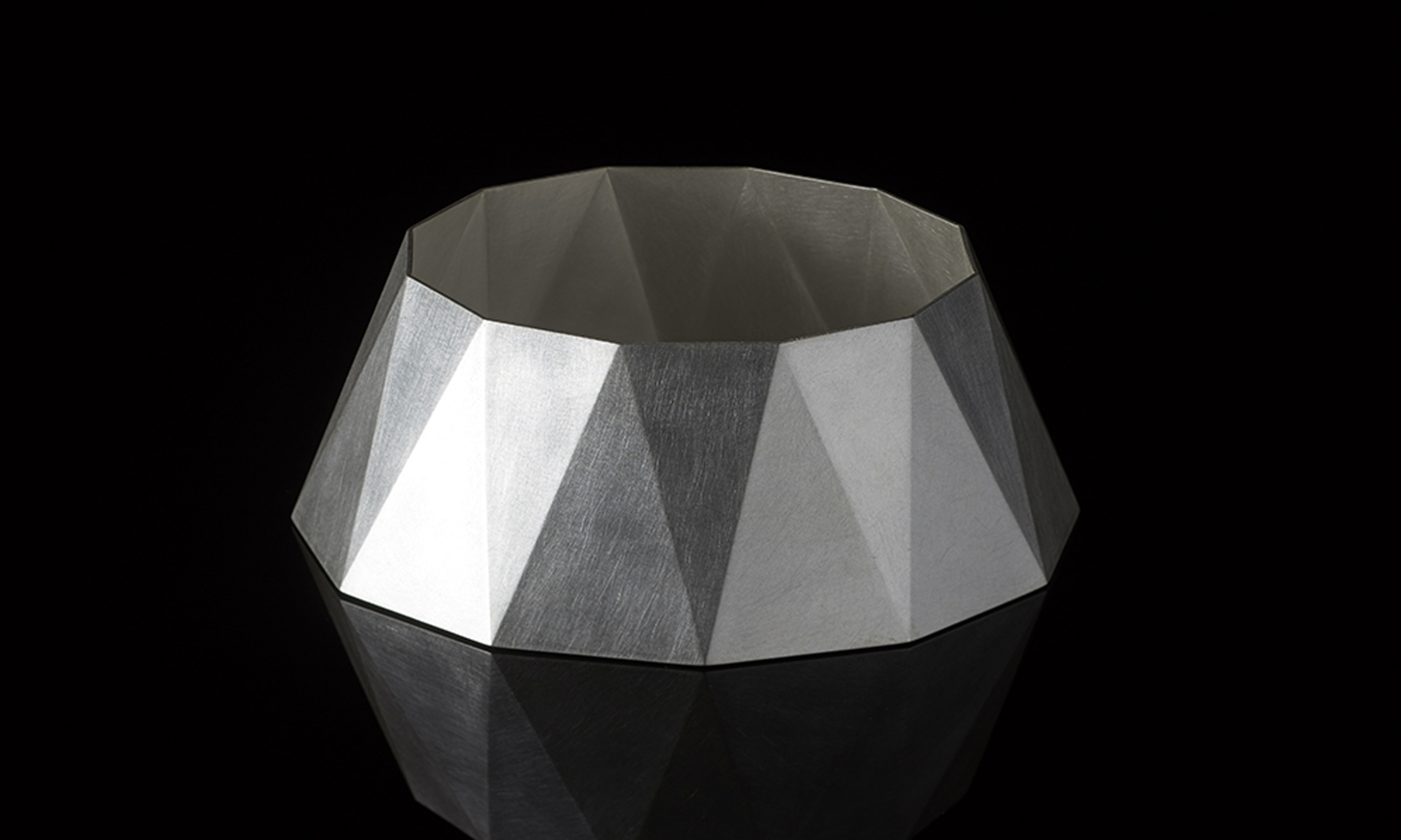 mas-gallery-12-24-faceted-vessel